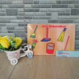 Mainan Edukasi Puzzle Alat Kebersihan